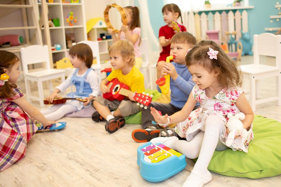 Child care expenses in Illinois custody cases
