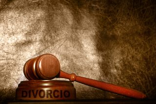 Divorce in foreign country vs. Illinois